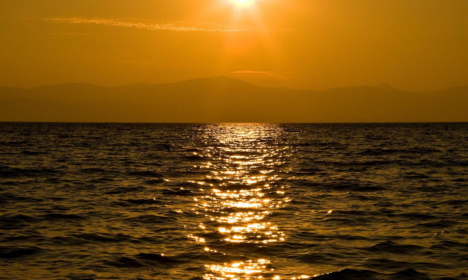 beauty_sunsetlake2